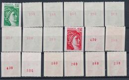 EC-917: FRANCE: Lot Avec Stock Roulettes N° Rouge** N°1981Aa(9)-1981Ba(9) - Rollen