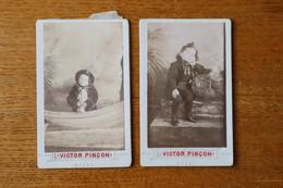 2 Cdv D'un Enfant Avec Jouet  Dans Un Bateau Par Victor PINSON BREST  Bretagne - Anciennes (Av. 1900)