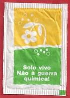 PT.- Suikerzakje. INAMB INSTITUTO NACIONAL DO AMBIENTE. SOLO VIVO NAO A QUERRA .... LISBOA. Zucker Azucar Sucre Zucchero - Azúcar