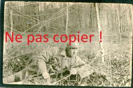 PHOTO FRANÇAISE - POILU EN PATROUILLE EN FORET DE PARROY PRES DE LANEUVEVILLE AUX BOIS - LUNEVILLE - GUERRE 1914 1918 - 1914-18