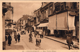 S5678 Cpa 36 Châteauroux - Rue Victor Hugo - Chateauroux