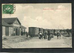 CPA - ILE DE RE - SABLANCEAUX - La Gare - Les Quais, Les Voies - Train - Départ Des Passagers, Très Animé - Ile De Ré