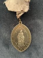 La Victorie Bruxelles Association De N. De  -  Eglise Du Saint-Rosaire Aux Dominicains  - Religious Medal - Religion & Esotericism
