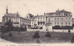 35. RENNES. CPA. LA PREFECTURE ET LE JARDIN DE LA MOTTE. ANNEE 1919+ TEXTE - Rennes