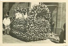270821 - PHOTO 83 OLLIOULES Corso Fleuri Fait Par Mme COSTE 1951 - Char Champêtre Fête - Ollioules