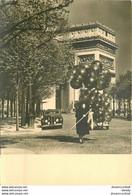AB. Cpsm Photographe MONIER Albert. Paris Avec Vendeuse De Ballons... - Monier