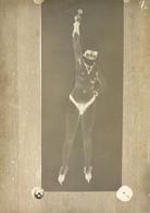 Kirchner, Raphael Girl With Hood Raising A Key Auf Altem Glasnegativ Um 1900 18 X 13 Cm I-II - Kirchner, Raphael