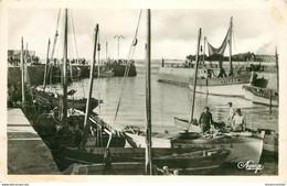 44 LE CROISIC. Bateaux De Pêcheursà L'Entrée Du Port 1950 - Le Croisic