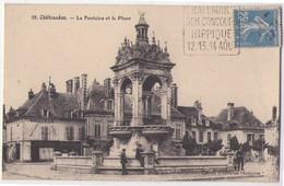 (28) 059, Chateaudun, Galeries Modernes 28, La Fontaine Et La Place, Daguin Course Hippique - Chateaudun