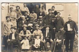 GUERRE 1914- 1918   ... CARTE PHOTO .....Soldats Blessés à L'Hopital Complémentaire N°83  Boulevard Des Invalides PARIS - Guerre 1914-18