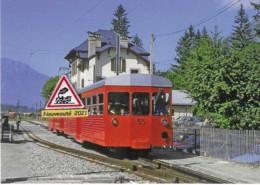 711 - Automotrice Et Remorque Du Montenvers, à Chamonix (74) - - Stations With Trains