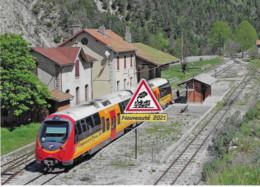 713 - Autorail AMP Des C.F. De Provence, à Thorame-Haute (04) - - Stations With Trains