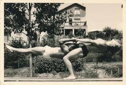 Snapshot Gymnastique Hommes Sport Musculation Gay Interest Vintage Men Yoga - Deportes