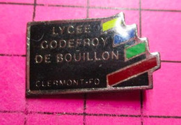 811G Pin's Pins / Beau Et Rare / THEME : ADMINISTRATIONS / CLERMONT FERRAND LYCEE GODEFROY DE BOUILLON à La Soupe ! - Amministrazioni