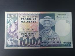 MADAGASCAR 1000 FRANCS 1974.XF - Madagascar