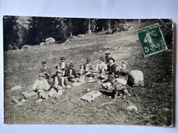 CARTE PHOTO 74 - Pause Déjeuner Groupe De Travailleurs ( Bûcherons ?)- Cachet Chamonix 1907 - BE - Unclassified