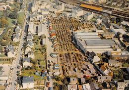 35  FOUGERES : Le Marché Aux Bestiaux Et Quartier De La Gare - Fougeres