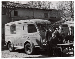 Gde Photo Automobile 1953 Estafette Renault ? Camionette RIVIER À RADIO TELEVISION VILLEURBANNE - Cars