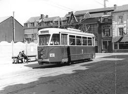 Liège. Stade Tilleur FC. Tramway Liège - Seraing. Cliché Jacques Bazin. 06-06-1964 - Trenes