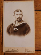 PHOTO CDV JEUNE MARIN PHOTO KEGEL KIEL 10 X 6 CM - Guerre, Militaire