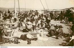Photo Cpsm 14 DEAUVILLE. Bain De Soleil 1938 Qq Blancs Bord Droit - Deauville