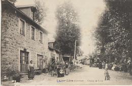Lagraulière  19  Le Champ De Foire Et La Rue Tres Tres Animée_Forgeron Et Café - Autres Communes