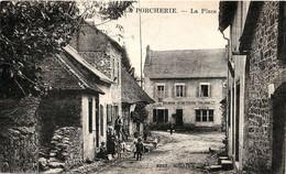 87. HAUTE-VIENNE - LA PORCHERIE. La Place. Boulangerie, Café, Hôtel Coignac... - Other Municipalities