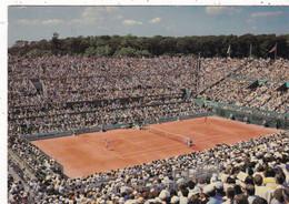 PARIS. SPORT . TENNIS. STADE DE ROLAND GARROS. LE COURT CENTRAL. ANNEE 1982 + TEXTE - Tennis