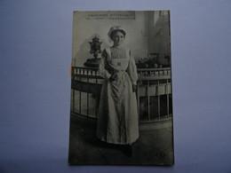 CPA 63 - ROYAT - L'Auvergne Pittoresque - Une Donneuse D'Eaux 1917 TBE - Royat