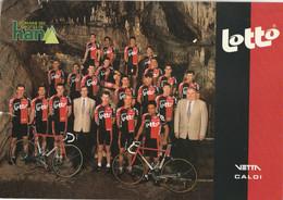 (CYCLISME) Equipe LOTTO Dans Les Grottes De HAN. ( A Vous De Mettre Un Nom Sur Ces Champions ! ) - Radsport