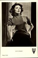 CPA Schauspielerin Ruth Roman, Portrait, Zigarette - Acteurs