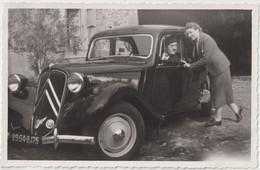 Photo Format Carte Originale Automobile Une Citroën Traction Avant 1952 à Vaureilles (12) Propriété De Grabosc Imm 75 - Auto's