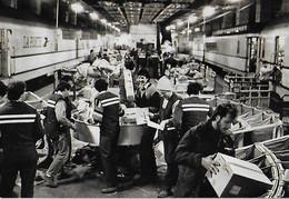 Poste Postes - Centre De Tri Paris Montparnasse - Transbordement Fer - Courrier Colis - 1992 - - Poste & Postini