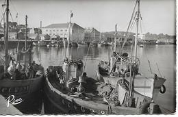 Concarneau - Le Port Et La Criée 1959 - Concarneau