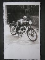 CPA FOTO MOTO JLO MOTOCICLETTA MOTORBYKE BAMBINO CASCO OCCHIALI ENFANT CHILD - Automobile