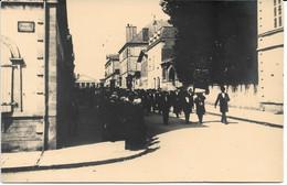 CPA - France - (85) Vendée - La Roche-Sur-Yon - Carte Photo - Défilé Rue Du Musée (Rue Jean-Jaurès Actuellement) - La Roche Sur Yon