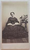 CDV. Portrait D'une Femme. Robe. Photographe A. Provost. Toulouse. France. - Oud (voor 1900)