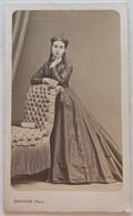 CDV. Portrait D'une Femme. Mme Gaudon. Photographe A. Provost. Toulouse. France. - Oud (voor 1900)
