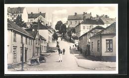 AK Trondheim, Strassenpartie Mit Anwohnern - Noruega