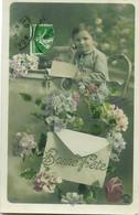 3077 - Bonne Fête - Enfant Au Bureau Avec Des Fleurs - Autres