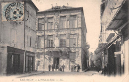 TARASCON - L'Hôtel De Ville - Coiffeur, Magasin Villan - Tarascon