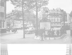 """PARIS XVIII° Photo Cpsm Le Métropolitain Et Cinéma Pigalle Avec L'autobus 67 Sur La Place Des """" Boites De Nuit """" 1952 - Arrondissement: 18"""