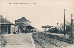 84 - CARPENTRAS - La GARE - Intérieur Train - Carpentras