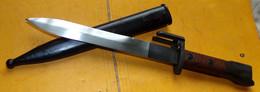 BAIONNETTE FABRICATION BELGE POUR FUSIL D'ASSAUT F.A.L (fusil Automatique Léger)...FABRIQUE DES 1953, ETUI EN METAL  , A - Blankwaffen