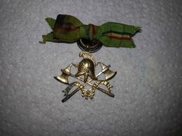 Médaille De Pompier Avec Ruban - Non Classés