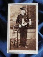Photo CDV Anonyme  Jeune Communiant En Uniforme D'écolier  Casquette  Sec. Emp. CA 1865-70 - L562B - Anciennes (Av. 1900)