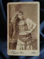 Photo CDV  Geiser à Alger  Belle Jeune Femme En Costume Oriental Avec Des Bijoux  CA 1880 - L562B - Oud (voor 1900)