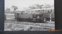 Photo De Format CP - Locomotive En Gare De Bourges 1953 - Trains