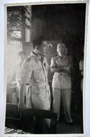 Guerre Indochine - Rare Carte Photo Nguyen Van Hinh  Chef D'État Major Armée Nationale - Bigeard à L'arrière Plan ? TBE - Other Wars