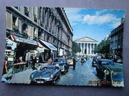 CP 75 PARIS Et Ses Merveilles  - La Rue Royale , Au Fond L'église De La Madeleine Voiture Jaguar Type E  Voiture Bentley - Distretto: 08